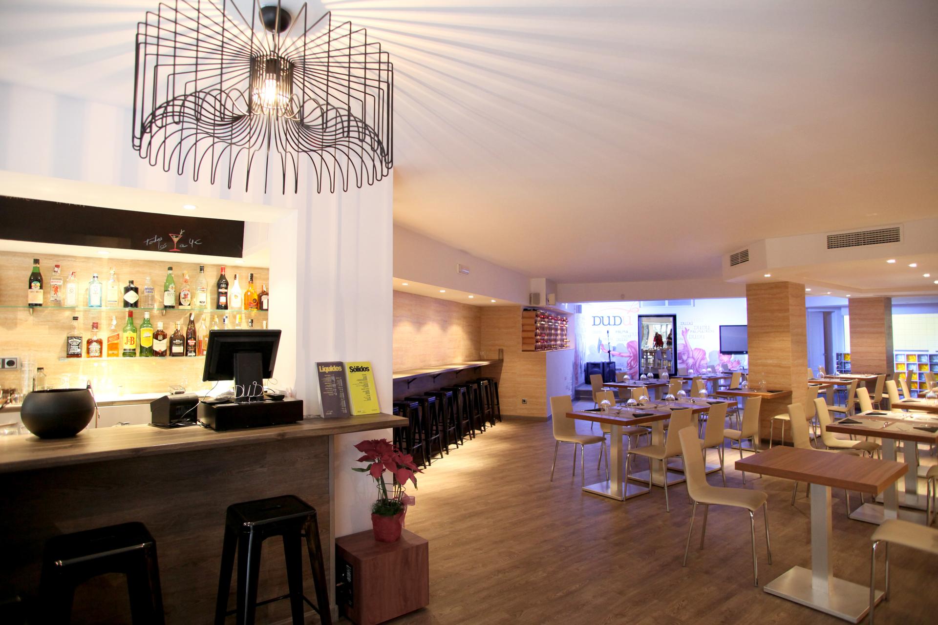 Interiorismo restaurante dud alibaz construcci n - Empresas de construccion en mallorca ...